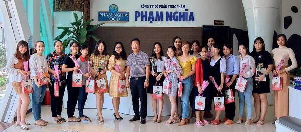 PHAM NGHIA FOOD chân thành cảm ơn những người phụ nữ Việt Nam đã đồng hành cùng chúng tôi trong suốt thời gian qua!