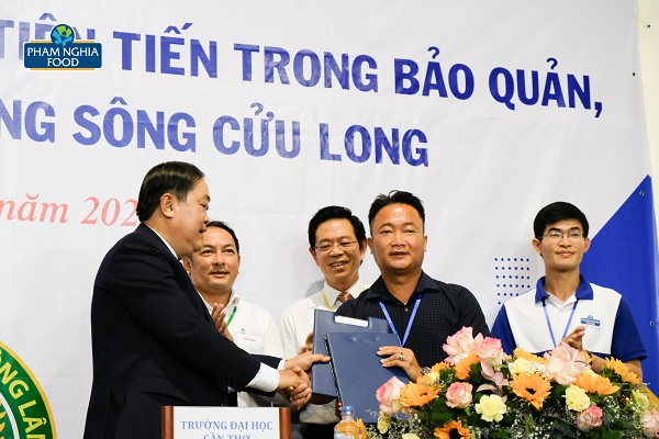 PHAM NGHIA FOOD là một trong những doanh nghiệp tiên phong trong việc ký kết hợp tác thỏa thuận cùng phát triển với Đại học Cần Thơ
