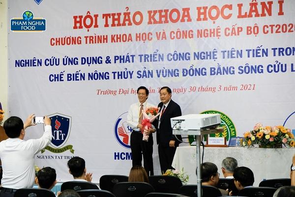 Đại học Cần Thơ được Vụ trưởng Vụ KHCN & MT đánh giá cao về cơ cấu tổ chức và vận hành