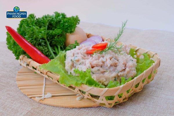 Bên cạnh chả viên, PHAM NGHIA FOOD còn cho ra mắt chả cá thát lát ướp sẵn gia vị vô cùng tiện lợi và hấp dẫn